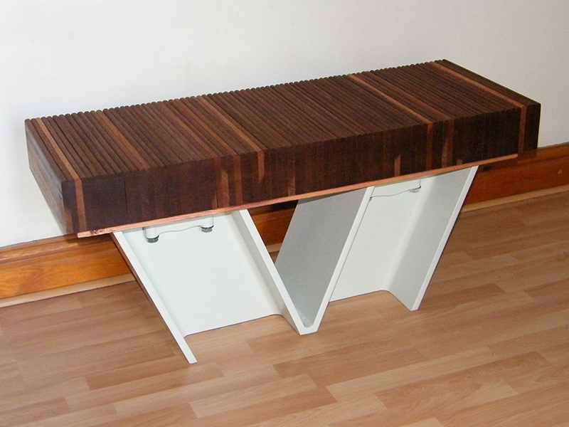 Modern V-Bench designed by Ashwinstudio