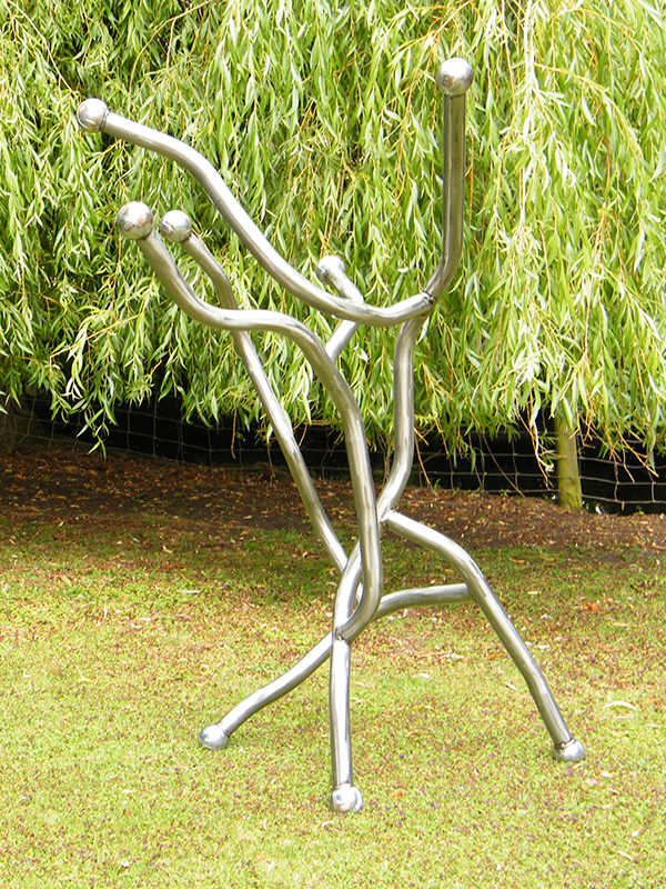 Vidente steel sculpture